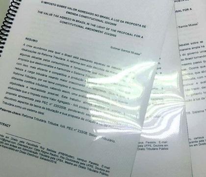 Advogada denunciada por plágio presta depoimento e não apresenta títulos