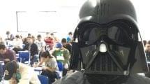 Professor de Direito aplica provas fantasiado de Darth Vader