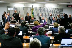 CCJ do Senado aprova reforma trabalhista
